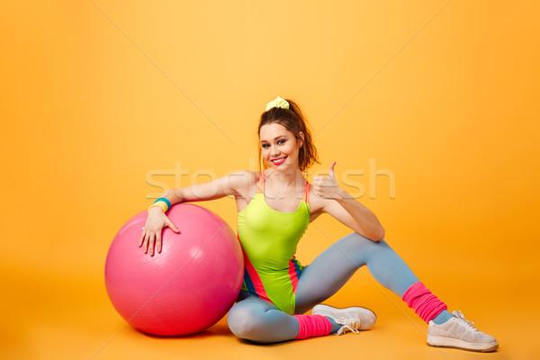 Mutlu spor kadın poz sarı uygunluk Stok fotoğraf © deandrobot
