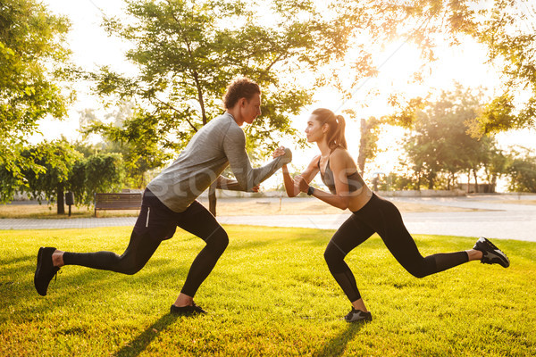 Fitness sport affectueux couple amis parc Photo stock © deandrobot