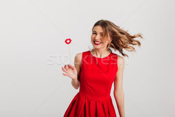 Stok fotoğraf: Portre · mutlu · genç · kadın · kırmızı · elbise · kâğıt