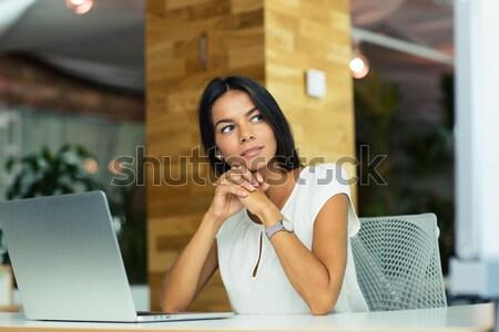 Porträt anziehend nachdenklich Geschäftsfrau Sitzung Büro Stock foto © deandrobot