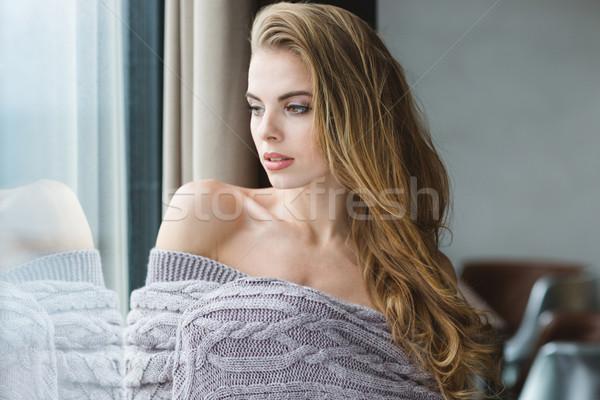 Ritratto seducente femminile grigio maglia Foto d'archivio © deandrobot