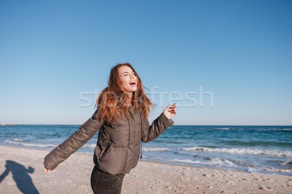 Lachen Frau Jacke Datum Meer Stock foto © deandrobot