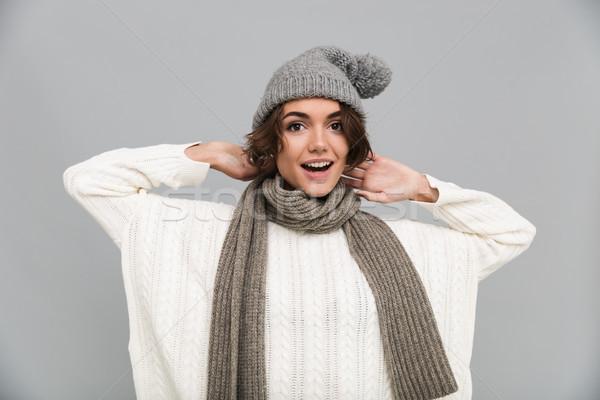 Portre heyecanlı kız eşarp şapka Stok fotoğraf © deandrobot