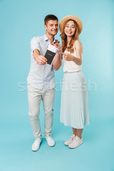 Feliz caucasiano amoroso casal passaporte Foto stock © deandrobot