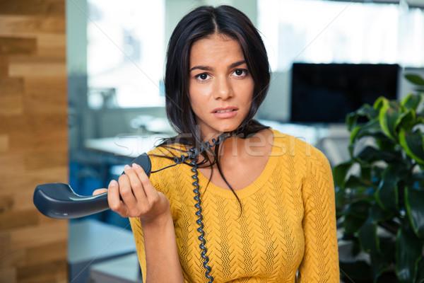 ストックフォト: 疲れ · 女性実業家 · 電話 · オフィス · 肖像