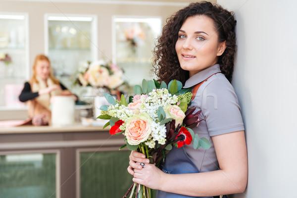 Foto stock: Mujer · florista · ramo · flores · pie