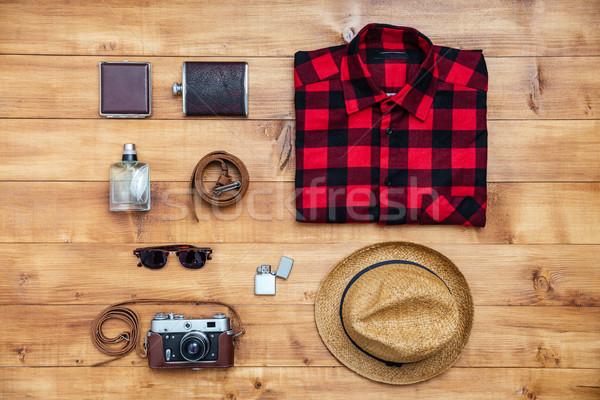 Viajar camisas câmera seis isqueiro Foto stock © deandrobot