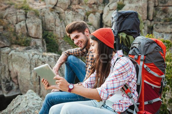 Aventura casal comprimido desfiladeiro sessão rocha Foto stock © deandrobot