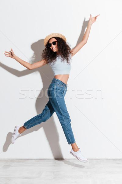 Coup sautant femme isolé drôle Photo stock © deandrobot