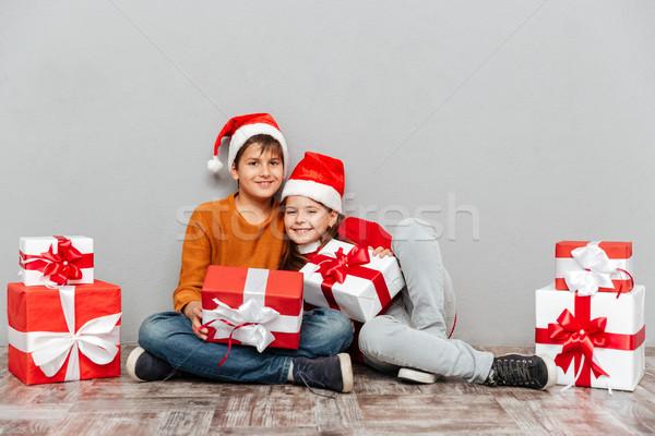 Stock fotó: Kettő · boldog · gyerekek · mikulás · sapkák · tart