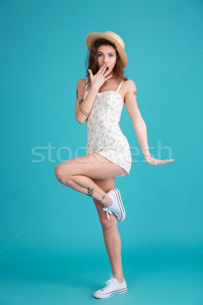 Teljes alakos portré boldog derűs nő visel Stock fotó © deandrobot