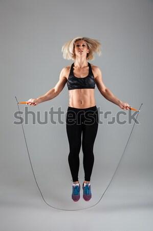 Сток-фото: вид · сбоку · портрет · женщину · прыжки · изолированный