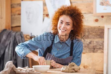 Jonge vrouwelijke gerechten handen aardewerk Stockfoto © deandrobot