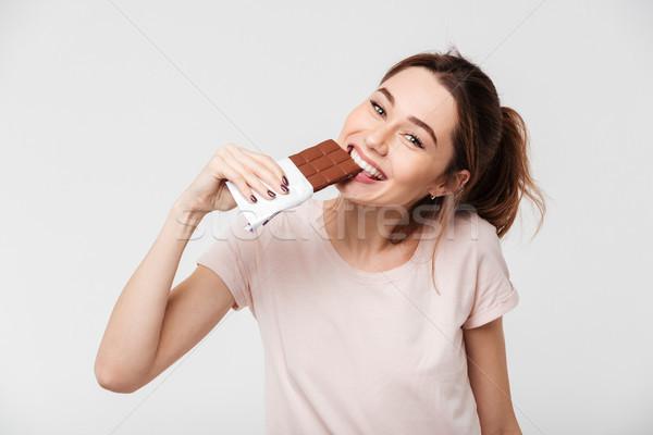 Portre gülen güzel kız çikolata Stok fotoğraf © deandrobot