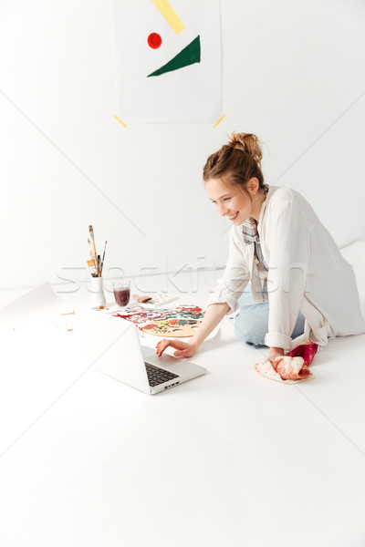 Incredibile giovani signora pittore Foto d'archivio © deandrobot