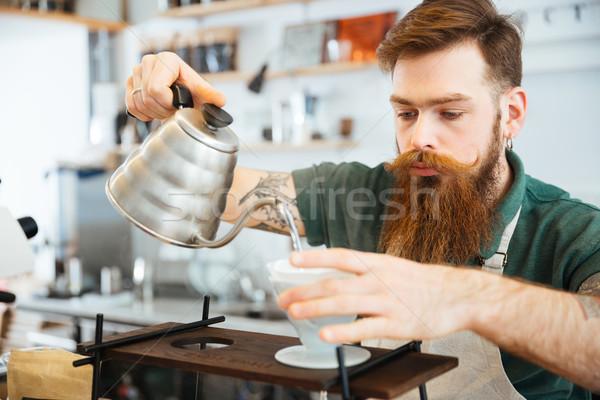 Barista wody kawy ziemi filtrować Zdjęcia stock © deandrobot