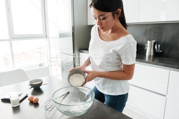 удивительный молодые Lady Постоянный кухне Домашняя кухня Сток-фото © deandrobot