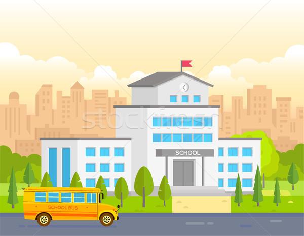 Ville école bâtiment jaune bus modernes Photo stock © Decorwithme