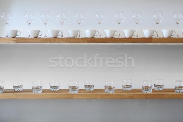 очки шельфа стены Кубок белый Сток-фото © DedMorozz