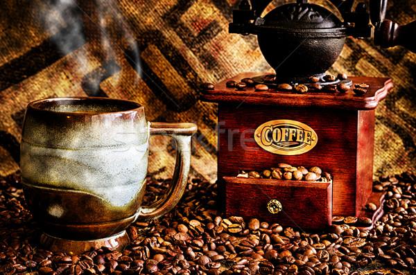 Kávé daráló közelkép kép csésze forró Stock fotó © dehooks