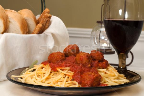 スパゲティ ミートボール ディナー 赤ワイン ガーリックブレッド 葉 ストックフォト © dehooks