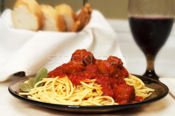 スパゲティ ミートボール ディナー 赤ワイン ガーリックブレッド パン ストックフォト © dehooks