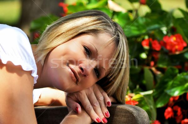 женщины портрет цветы счастливым модель Сток-фото © dehooks
