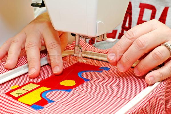 Naaien vrouw borduurwerk machine textuur mode Stockfoto © dehooks