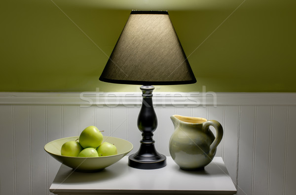 зеленый яблоки чаши лампы таблице сцена Сток-фото © dehooks
