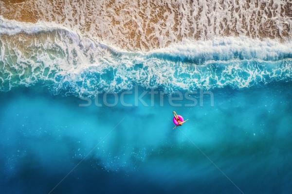 Donna nuoto mare sottile rosa Foto d'archivio © denbelitsky