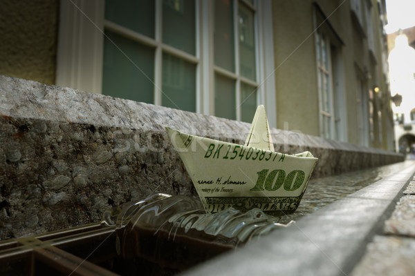 Stockfoto: Schipbreuk · dollar · papier · stad · straat · foto