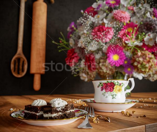 Stock fotó: Közelkép · csésze · tea · torta · virágok · virágcsokor