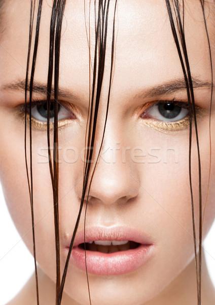 Piękna tendencja moda makijaż dziewczyna mokro Zdjęcia stock © DenisMArt