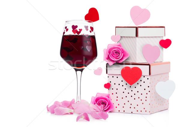 Zdjęcia stock: Szkła · wino · czerwone · serca · różowy · szkatułce · wzrosła