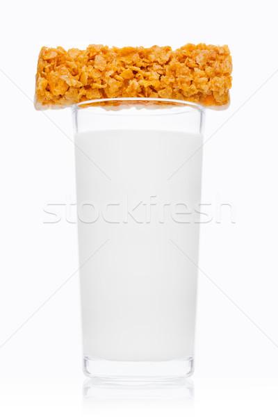Vidrio frescos desayuno leche cereales bar Foto stock © DenisMArt