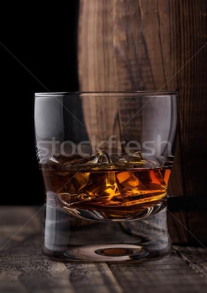 Vetro whiskey legno barile cognac Foto d'archivio © DenisMArt