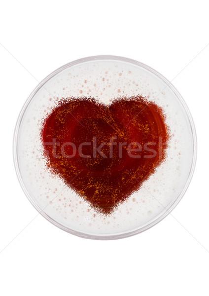 Vidrio rojo cerveza inglesa cerveza superior forma de corazón Foto stock © DenisMArt