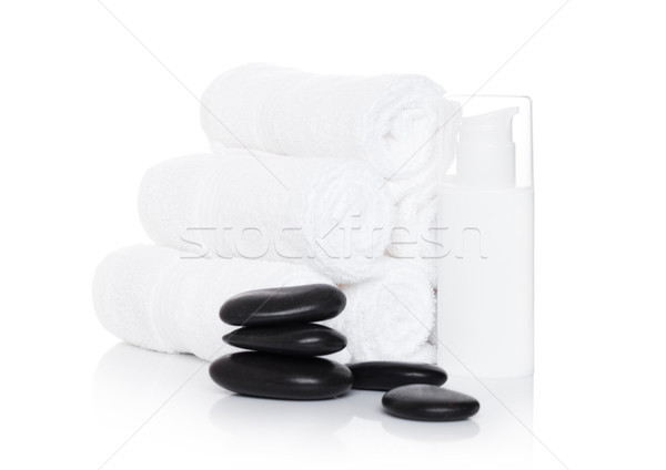 Plastique bouteille organique shampooing spa serviettes Photo stock © DenisMArt