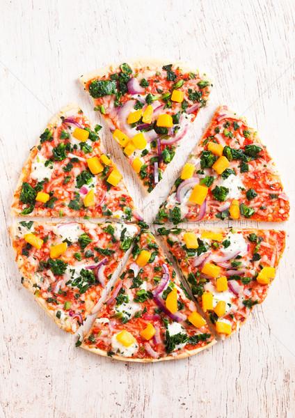 Friss gluténmentes zöldség vegetáriánus pizza fa deszka Stock fotó © DenisMArt