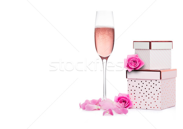 Verre rose champagne coffret cadeau rose saint valentin Photo stock © DenisMArt