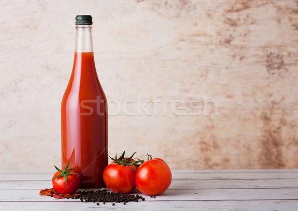 şişe baharatlı domates suyu karabiber kırmızı ahşap Stok fotoğraf © DenisMArt