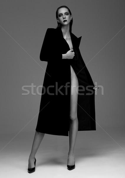 Moda modelo mojado pelo negro Foto stock © DenisMArt