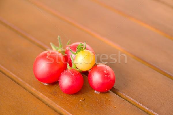 Kleurrijk tomaten tabel foto detail gezondheid Stockfoto © Dermot68