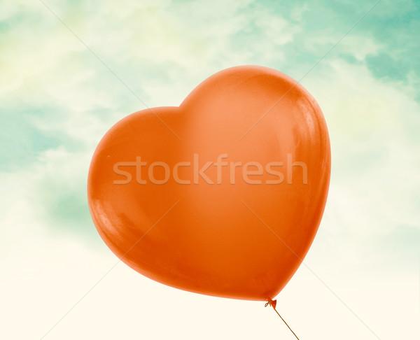 Rot Ballon Liebe Herz Jahrgang blauer Himmel Stock foto © designsstock