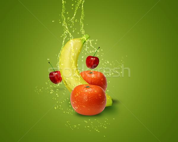 Frisches Obst frischen Bananen Kirsche Wasser Spritzer Stock foto © designsstock