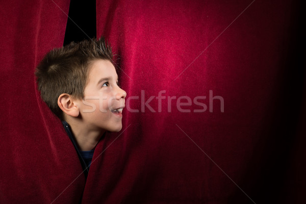 ストックフォト: 子 · カーテン · 赤 · 手 · ファッション · 背景