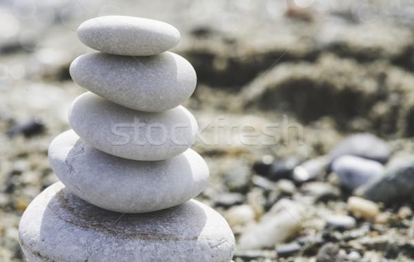 Mar piedras blanco cielo fondo Foto stock © deyangeorgiev