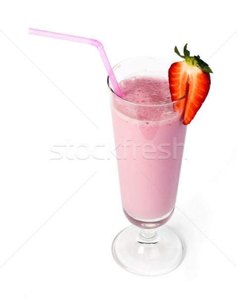 Aardbeien milkshake vers fruit aardbei cocktail melk Stockfoto © deyangeorgiev