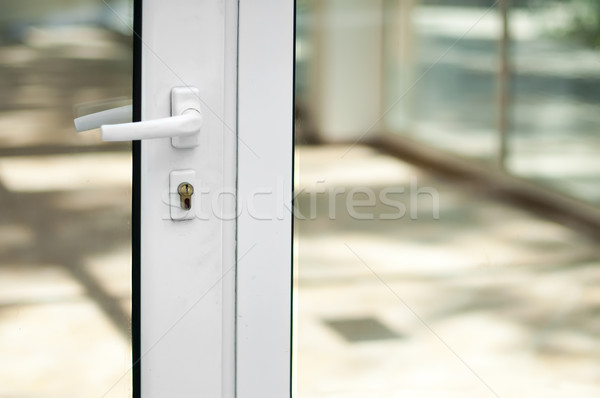 白 ドア 窓 の空室 不動産 光 ストックフォト © deyangeorgiev