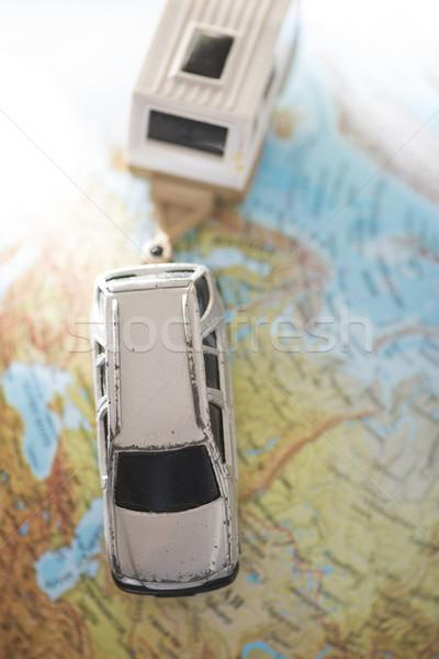 Auto caravan wereldbol miniatuur wereld mobiele Stockfoto © deyangeorgiev